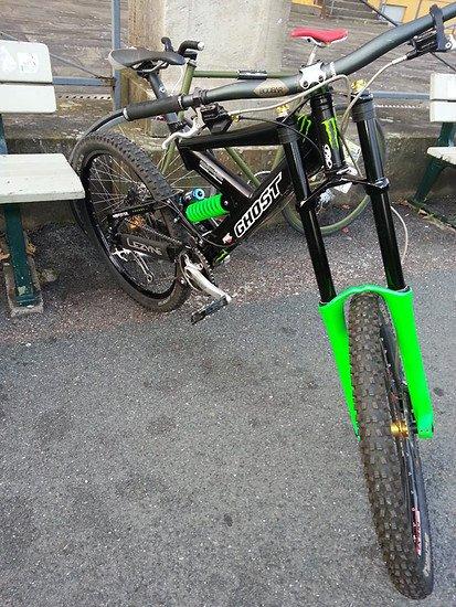 888 RC 2004 ohne decals Neon Grün