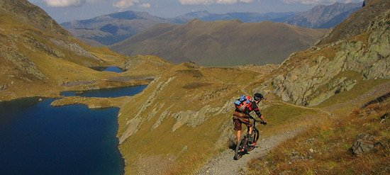 ONCE-in-a-lifetime-Abfahrt in den Pyrenäen