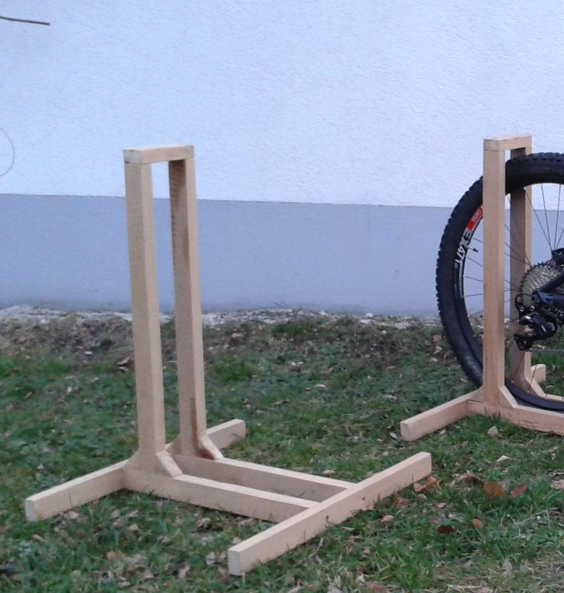 foto fahrradst nder aus holz v ii nr 4 und 5. Black Bedroom Furniture Sets. Home Design Ideas