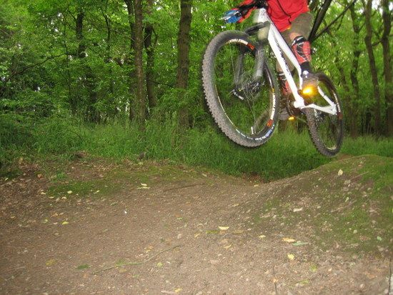 ersten Versuche mit neuem Bike, Rene 6,5 Jahre alt