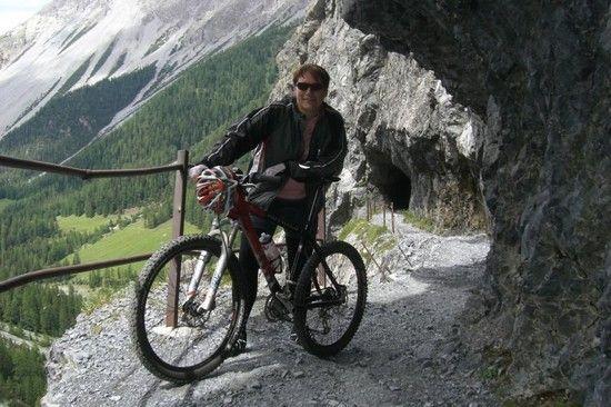 j Val D`Uina Schlucht