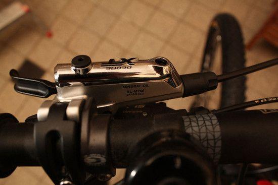 ShimanoXTScheibenbremse2012 Ausgleichsbehlter 1-Kopie