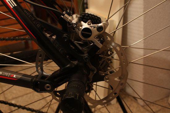 ShimanoXTScheibenbremse2012 Bremssattelhinten 2-Kopie