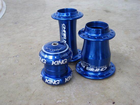 Chris King Blau