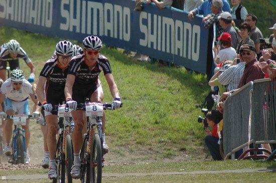 Roel Paulissen und Kashi Leuchs, Links hinten ist Julien Absolon