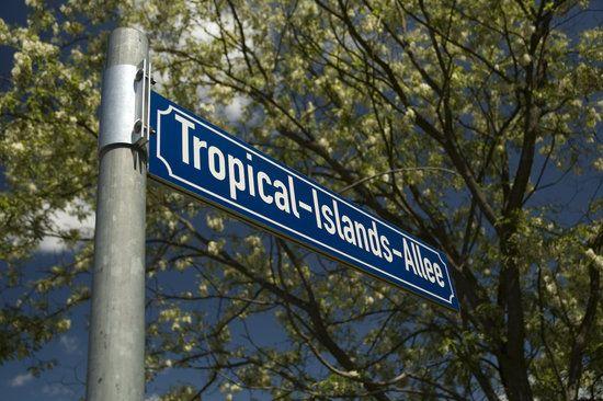 Tropical-Islands-Allee