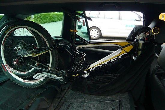 Car vs Bike 005