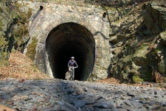 Tunnel im Schwarzbachtal