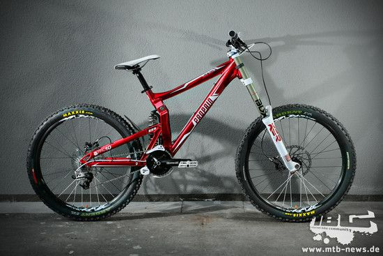 Propain Rage 2011 red