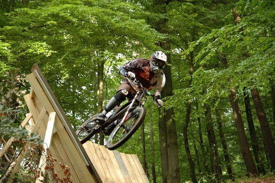 Bikepark Beerfelden 2008, Absprung aus dem Wallride