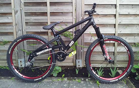 agent!bikes trinity = slopestyler / leichter Freerider