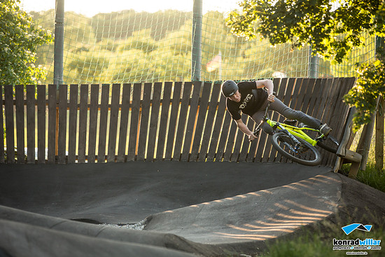 Asphalt Pumptrack Wallride 9