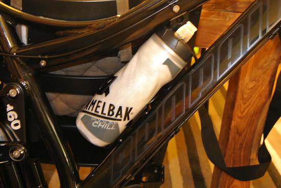 Procraft New Sideclip Flaschenhalter mit Camelbak Podium Chill