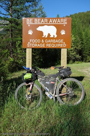 Achtung Bären - man sollte auf keinen Fall Essen über Nacht offen liegen lassen