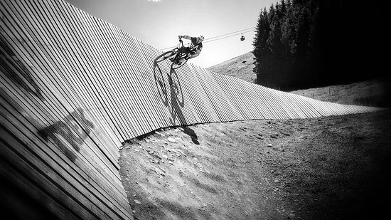 Wallride at the Z-Line in Saalbach