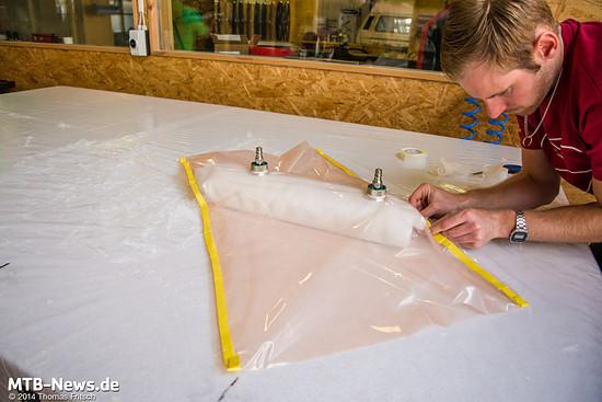 Eine sorgfältige Vorbereitung ist notwendig damit das Vakuum während des gesamten Ausbackvorgangs standhält.