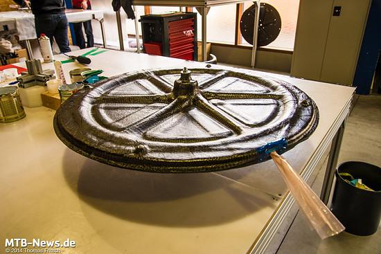 Geschlossene Laufradform mit heraushängendem Vakuumschlauch.