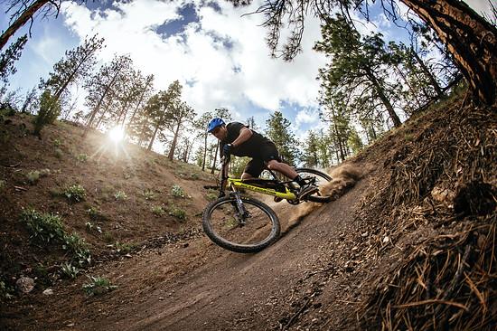 Ein leichtes, spaßiges Trail-Bike: Das soll das Rocky Mountain Thunderbolt MSL sein.