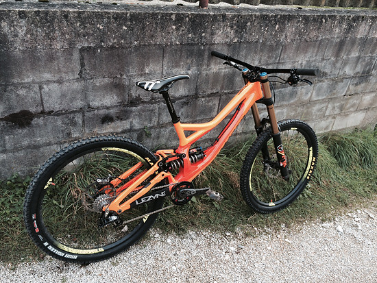 Specialized Demo 650b