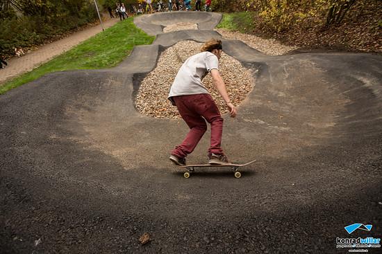Auch Skateboarder fühlen sich auf einem Pumptrack wohl