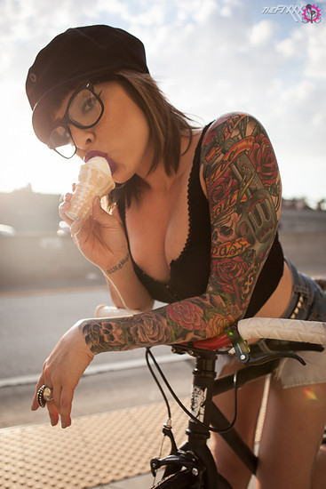naked sexy girls with tattoos