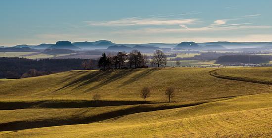 """Doberberg"" und Elbsandsteinien-Panorama"