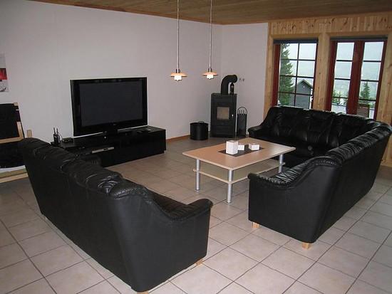 foto wohnzimmer mit kamin und fernseher mtb. Black Bedroom Furniture Sets. Home Design Ideas