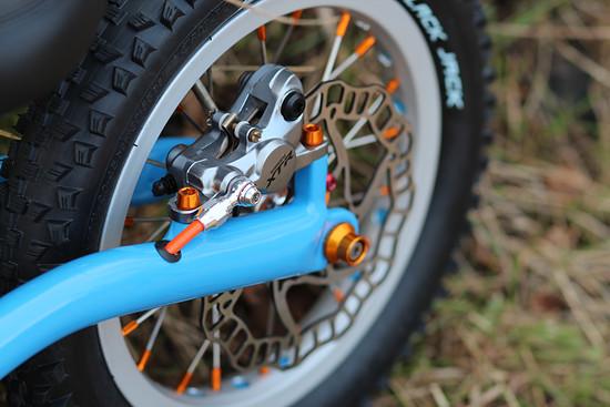 Die Shimano XTR Scheibenbremse sorgt für die richtige Verzögerung am Hinterbrad ;)