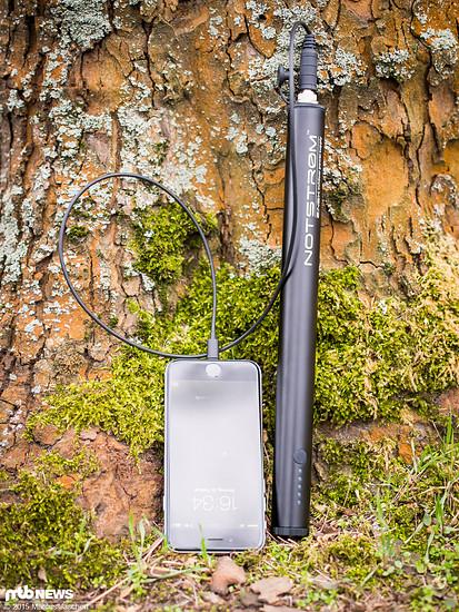 Passend für Geräte mit Lightning-Anschluss gibt es ein spezielles Ladekabel für den Notstrøm