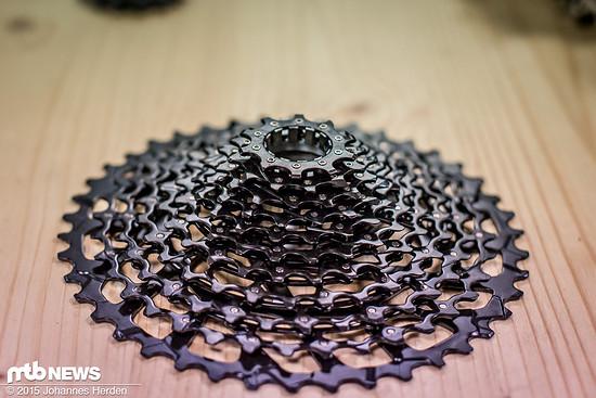 SRAM GX Kassette: schwarz glänzend und von 123 Pins zusammengehalten