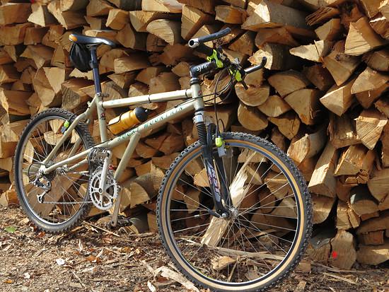 RM Cirrus Holzstapel