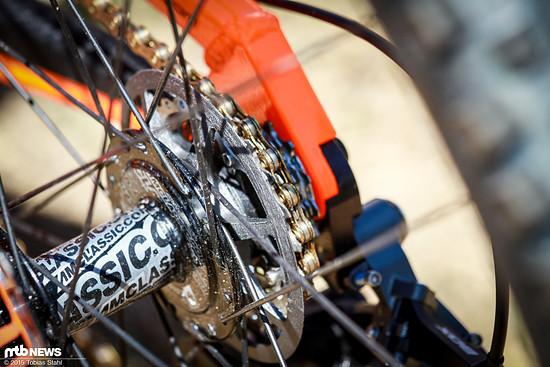 Frisch gedruckt und eine Option für die Zukunft: Hutchinson UR fährt mit solchen Kassetten-Spacern im Downhill World Cup