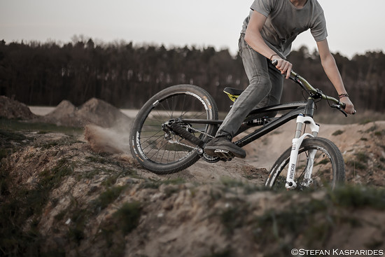 Playing on the Pumptrack