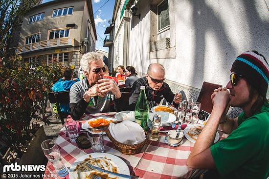 Bergsteiger-Legende beim Mittagessen