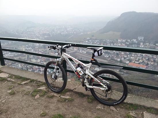 Bad Münster vom Rheingrafenstein mit Bike