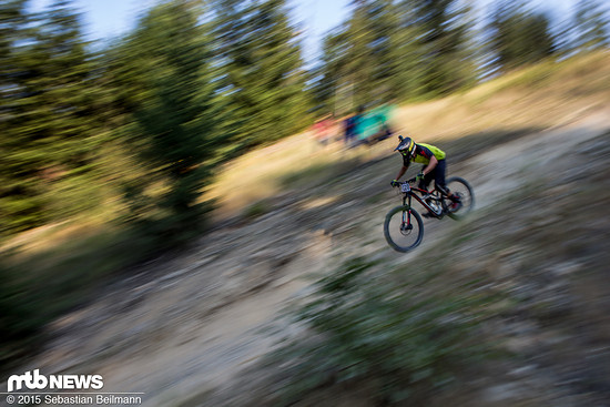 Bei dem extrem langen Downhill wählten viele Fahrer das Enduro Bike