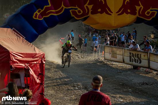 Beim Zieleinlauf wird nochmal kräftig pedaliert