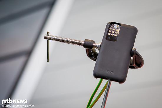 Ordentlich Licht für das Handy gibt es mit dieserm Case