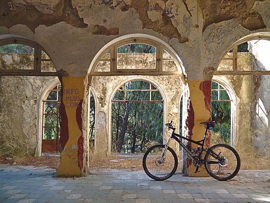 Im verlassenen italienischen Sanatorium auf Rhodos
