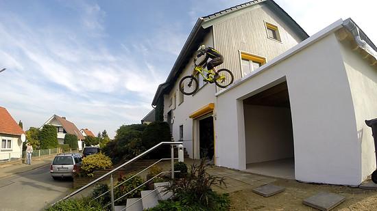 Neue Garage einweihen