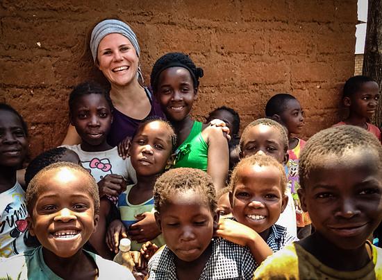 Lena beschreibt die Erfahrungen mit den Familien und Kindern vor Ort als sehr bereichernd
