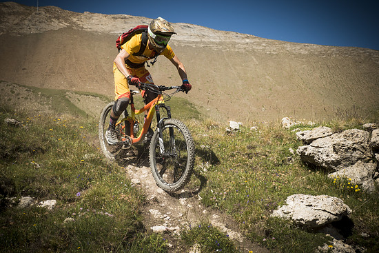 Sichere Kettenführung auch in grobem Terrain wie hier in Les Deux Alpes