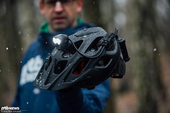 Die Helmbefestigung