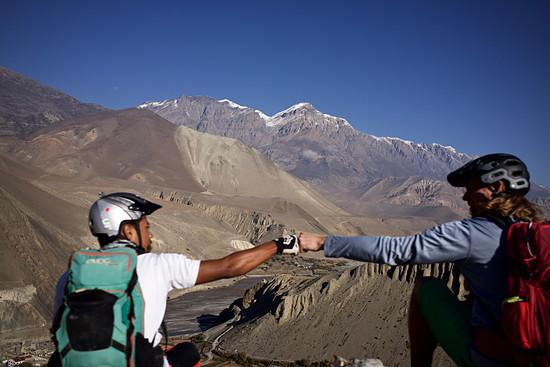 Uphill nach Muktinath - das steilste Stück liegt schon hinter uns.