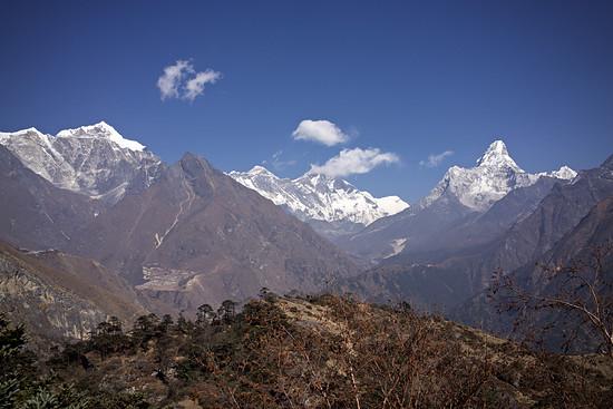 Everest View Point mit Mount Everest, Lhotse (in Wolken) und Ama Dablam