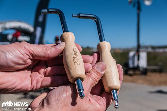 Schicke Werzkeuge für die heimische Werkstatt: 6 mm und 8 mm Sechskantschlüssel für die einfache Pedalmontage