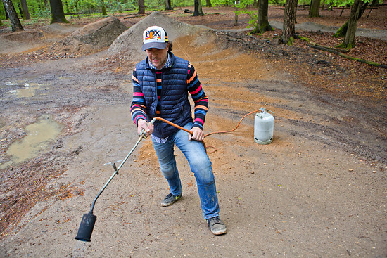 ...aber nachdem der Chef persönlich die Hügel trocken geblasen hatte, konnte es losgehen!