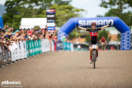 Sieg in Cairns für Annika Langvad