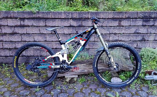 Saracen Myst-X Carbon Cranks and Bars 16.11kg