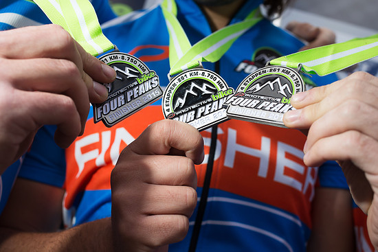 Das Ziel aller Träume: Das Finisher-Shirt und die Finisher-Medaille